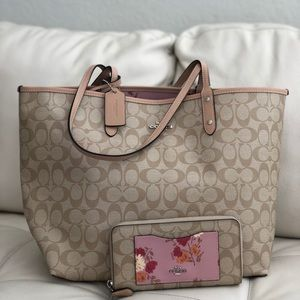 Coach Reversible City Tote Painted Peony & Wallet